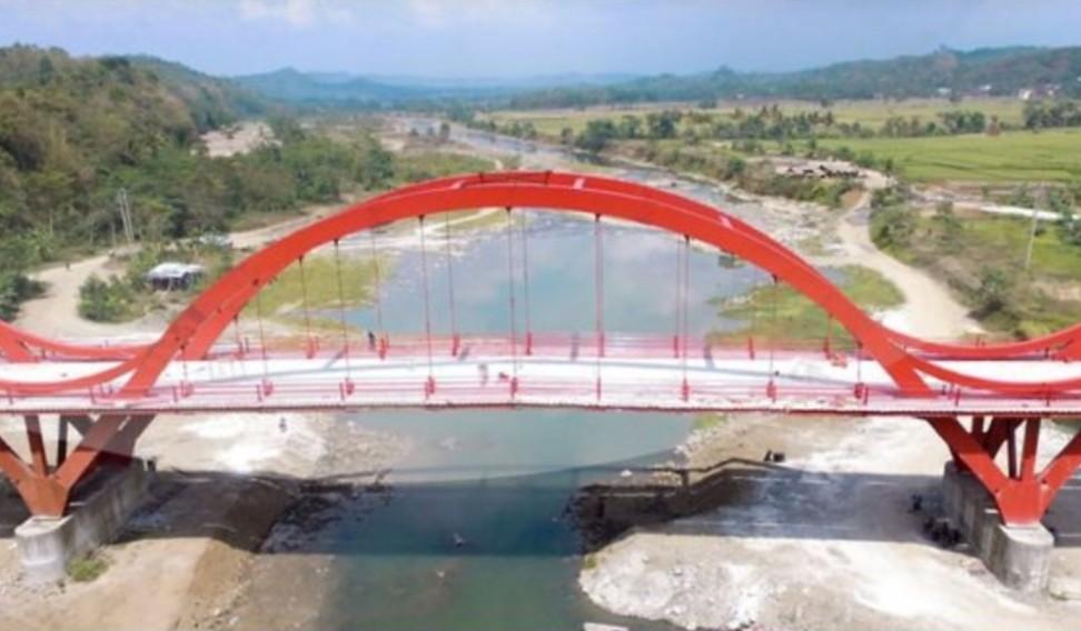 JembatanMerah.jpg
